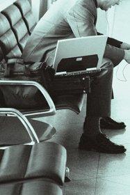 С лаптопа на летището