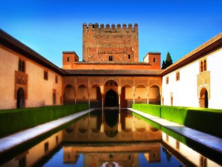 Дворецът Алхамбра, Испания