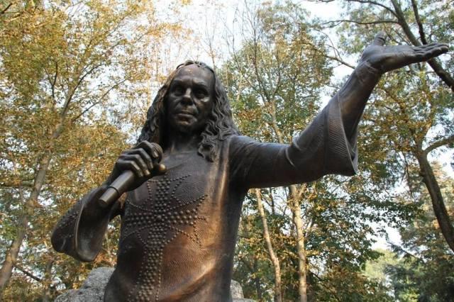 Статуята на Дио в Каварна
